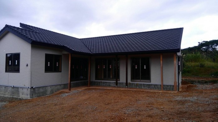 高台に建つ木造住宅3