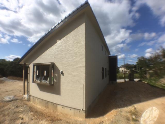 高台に建つ木造住宅4